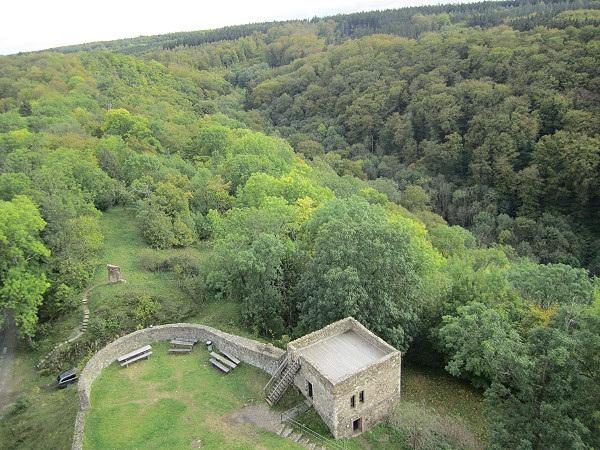 Burg-Falkenstein0011